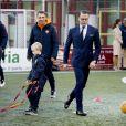 La princesse Victoria et le prince Daniel de Suède visitent le centre d'entrainement de l'AS Roma qui développe un projet d'aide aux enfants handicapés. Rome, le 15 décembre 2016.15/12/2016 - Rome
