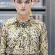 """Soko (Stéphanie Sokolinski) - People au défilé de mode """"Chanel"""", collection prêt-à-porter Printemps-Eté 2017 au Grand Palais à Paris, le 4 octobre 2016. © Olivier Borde / Bestimage"""