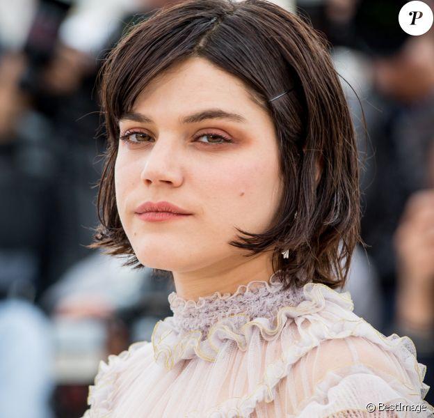 "Soko - Photocall du film ""La danseuse"" lors du 69e Festival International du Film de Cannes. Le 13 mai 2016 © Borde-Moreau / Bestimage"