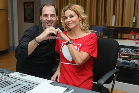 Ingrid Chauvin : Complice avec son mari, elle va sortir une chanson...