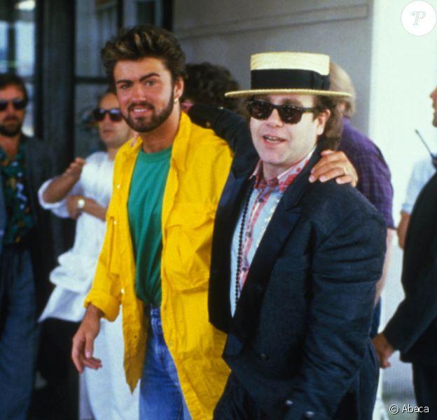 George Michael et Elton John en coulisses du Live Aid au stade de Wembley en 1985.
