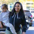 Rob Kardashian et sa fiancée Blac Chyna sont allés chez le dentiste à Calabasas. Blac Chyna porte son fils King Cairo dans ses bras. Le 1er décembre 2016.