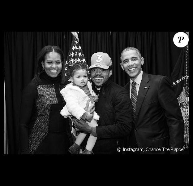 Photo de Chance The Rapper, sa fille Kensli, Barack et Michelle Obama. Janvier 2017.
