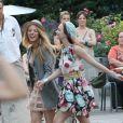 """""""Leighton Meester et Blake Lively sur le tournage de Gossip Girl à Paris, le 8 juillet 2010"""""""