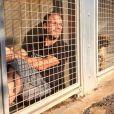 Rémi Gaillard est resté 4 jours enfermé dans une cage de la SPA de Montpellier pour susciter l'adoption des animaux abandonnés et des dons. Il a récolté 200 000 euros. Photo publiée sur Instagram en novembre 2016