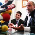 Olivier Cadic (sénateur) et Eric Dupond-Moretti (avocat de Pascal Fauret) - Conférence de presse de Pascal Fauret, un des 2 pilotes français condamnés en République Dominicaine pour trafic de cocaïne, à Paris le 27 octobre 2015.