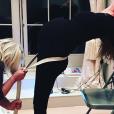 """""""Geri Halliwell enceinte, lors d'un cours de yoga prénatal. Photo publiée sur Instagram, le 5 janvier 2017"""""""