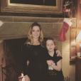 """""""Geri Halliwell célèbre les fêtes de fin d'année en famille, avec son mari Christian Horner et sa fille Bluebell. L'ex Spice Girl est enceinte de son deuxième enfant. Photo publiée sur Instagram à la fin du mois de décembre 2016"""""""