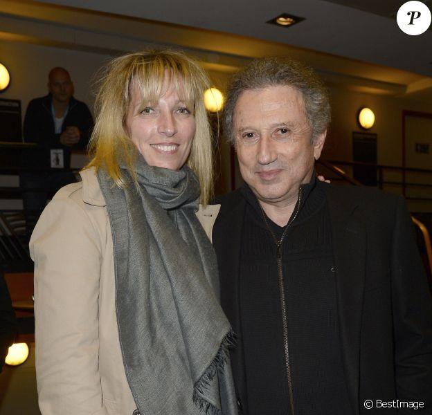 Stéfanie Jarre (Stéphanie Jarre) et son beau-père Michel Drucker au spectacle de Chantal Ladesou à l'Olympia à Paris, le 23 février 2014.