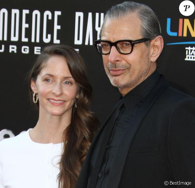 """Jeff Goldblum et sa femme Emilie Livingston à la première de """"Independence Day: Resurgence"""" au théâtre TCL Chinese à Hollywood, Californie, le 20 juin 2016."""