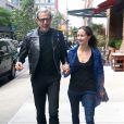 Jeff Goldblum et sa femme Emilie Livingston se promènent dans les rues de New York. Le 13 juin 2016