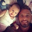 Steven des  Anges 7  dévoile le visage de sa fille Lyvia. Le 31 août 2015.