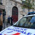 La Police Technique et Scientifique quitte l'hôtel résidence ou Kim Kardashian a été attaquée par des assaillants armés déguisés en policiers à 2h40 du matin à Paris le 3 octobre 2016