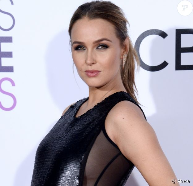 Camilla Luddington enceinte, à la soirée des People's Choice awards à Los Angeles, le 18 janvier 2017.