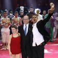 Le prince Albert II de Monaco remet le Clown d'Argent à Chily and Fly - Soirée de gala du 41ème festival du cirque de Monte-Carlo à Monaco, le 24 Janvier 2017. © Pool/Frédéric Nebinger Monaco/Bestimage