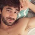 Agustin Galiana torse nu sur Instagram.