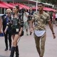 """Exclusif - Giuseppe, Milla Jasmine et Senna de la téléréalité """"Les Anges 9"""" se promènent et prennent un verre à Miami le 11 janvier 2017."""