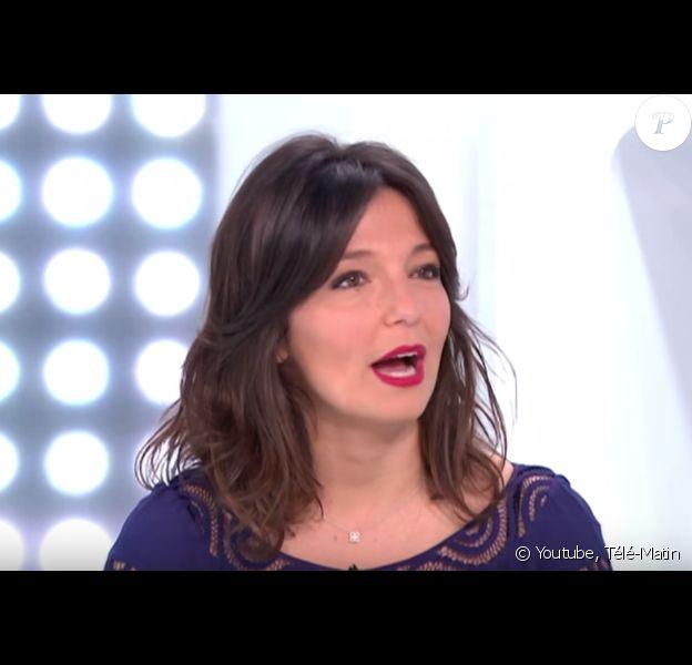 """Carinne Teyssandier dans """"Télématin"""" sur France 2. 2015."""