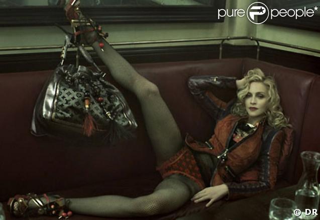 Pour Louis Vuitton, Madonna se glisse volontiers dans la peau d'une Parisienne sexy... On adore !