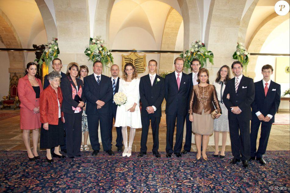 Bien-aimé Photo de famille lors du mariage du prince Louis et de la  GN15