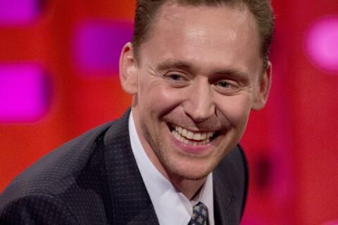 Tom Hiddleston : Comment il s'est retrouvé à uriner sur Tom Hollander...