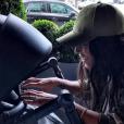 Amel Bent pose avec sa fille sur Instagram le 2 octobre 2016.