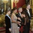 Martina Stoessel, fameuse interprète argentine de Violetta, faisait partie des invités de marque du dîner de gala organisé par le roi Felipe VI et la reine Letizia d'Espagne en l'honneur du président argentin Mauricio Macri et sa femme Juliana Awada au palais royal à Madrid, le 22 février 2017.