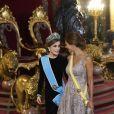 Letizia d'Espagne, portant pour la première fois le diadème Fleur de Lys, et Juliana Awada, épouse du président argentin Mauricio Macri, lors du dîner officiel organisé en l'honneur de la visite d'Etat du couple présidentiel argentin, le 22 février 2017 au palais royal à Madrid. © Jack Abuin/Zuma Press/Bestimage