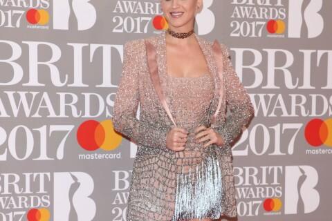 """Katy Perry traumatisée par ses 1ers Brit Awards : """"J'ai cru que j'allais mourir"""""""