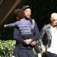 Amber Rose et son mari Wiz Khalifa emmènent leur fils Sebastian à une fête de Thanksgiving à Studio City, le 23 novembre 2016.