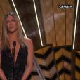 Jennifer Aniston annonce l'hommage aux morts.
