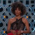 Halle Berry remet l'Oscar du meilleur réalisateur.