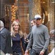 Exclusif - David Trezeguet et sa femme Beatriz (Beatrice) quittant une boutique Dsquared à Milan en septembre 2007.
