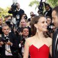 """Natalie Portman (bijoux de Grisogono) et son mari Benjamin Millepied - Montée des marches du film """"La Tête Haute"""" pour l'ouverture du 68 ème Festival du film de Cannes – Cannes le 13 mai 2015"""