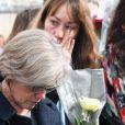 """Les familles et les proches des victimes de l'accident d'hélicoptère, survenu il y a deux ans en mars 2015, lors du tournage en Argentine du jeu d'aventure """"Dropped"""", se sont réunis pour rendre hommage aux disparus et réclamer justice sur l'Esplanade du Trocadéro à Paris, France, le 11 mars 2017. Deux hélicoptères s'étaient heurtés peu après leur décollage de Villa Castelli, dans le nord-ouest de l'Argentine. Dix personnes avaient péri, dont les sportifs Florence Arthaud, Camille Muffat et Alexis Vastine. Les familles de victimes attendent toujours que des responsabilités soient établies. © Lionel Urman/Bestim"""