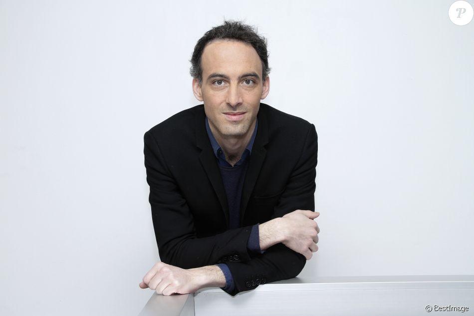 Raphaël Glucksmann News: Raphaël Glucksmann Pose à Paris Le 19 Mars 2015