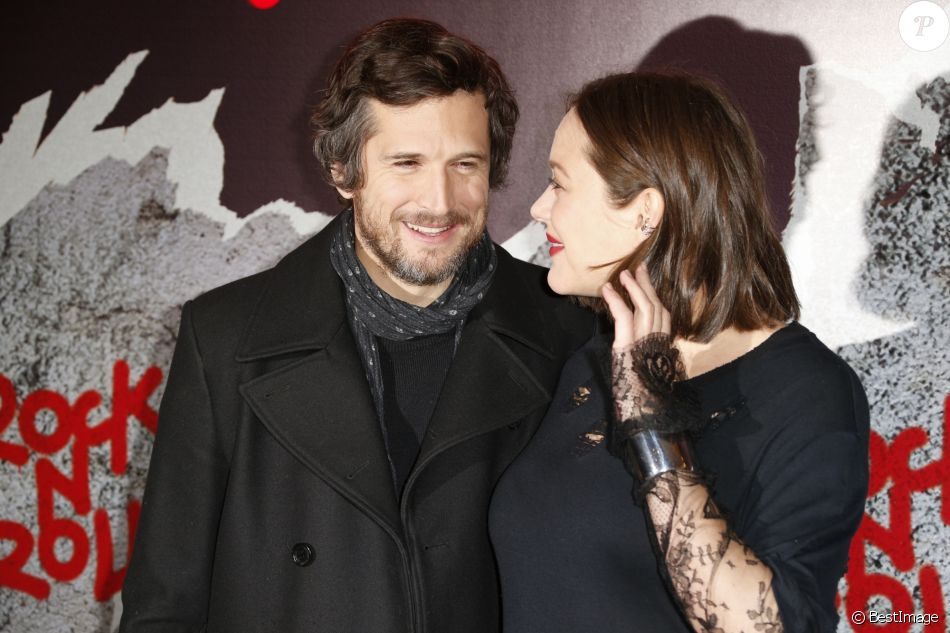 """Marion Cotillard (enceinte) et son compagnon Guillaume Canet - Avant-première du film """"Rock'n Roll"""" au Pathé Beaugrenelle à Paris le 13 février 2017."""