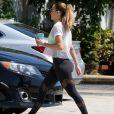 Exclusif - Jennifer Lopez et son nouveau compagnon Alex Rodriguez à la sortie d'un centre de fitness à Miami. Le couple rentre tout juste d'un week-end de 4 jours en amoureux au Bakers Bay Golf & Ocean Club aux Bahamas. Le 15 mars 2017