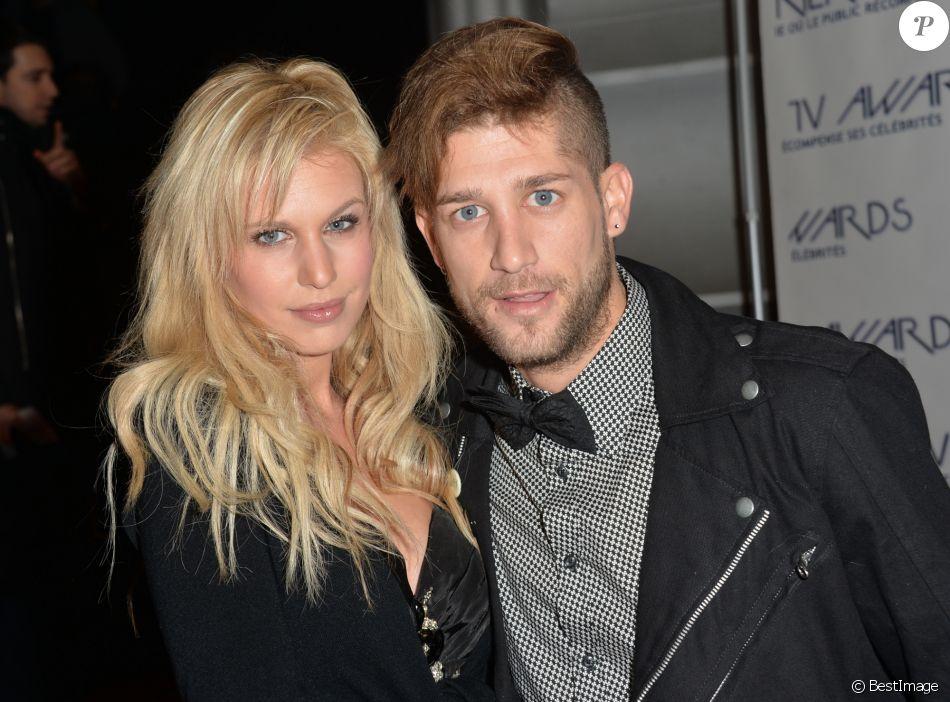"""Adixia (Les Ch'tis) et son petit ami Paga (Les Marseillais) - Cérémonie des """"Lauriers TV Awards 2015"""" à la Cigale à Paris, le 6 janvier 2015."""