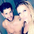 Adixia et Paga réconciliés après l'infidélité du Marseillais sur le tournage de la nouvelle saison des Marseillais : South America - Photo publiée sur Instagram en janvier 2017