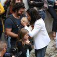 """Natasha St-Pier, son mari Grégory Quillacq avec leur fils Bixente soutiennent l'association """"Petit Coeur de Beurre"""" lors du week-end de la Cardiopathie Congénitale à la caserne des pompiers de Malar à Paris le 1er octobre 2016."""