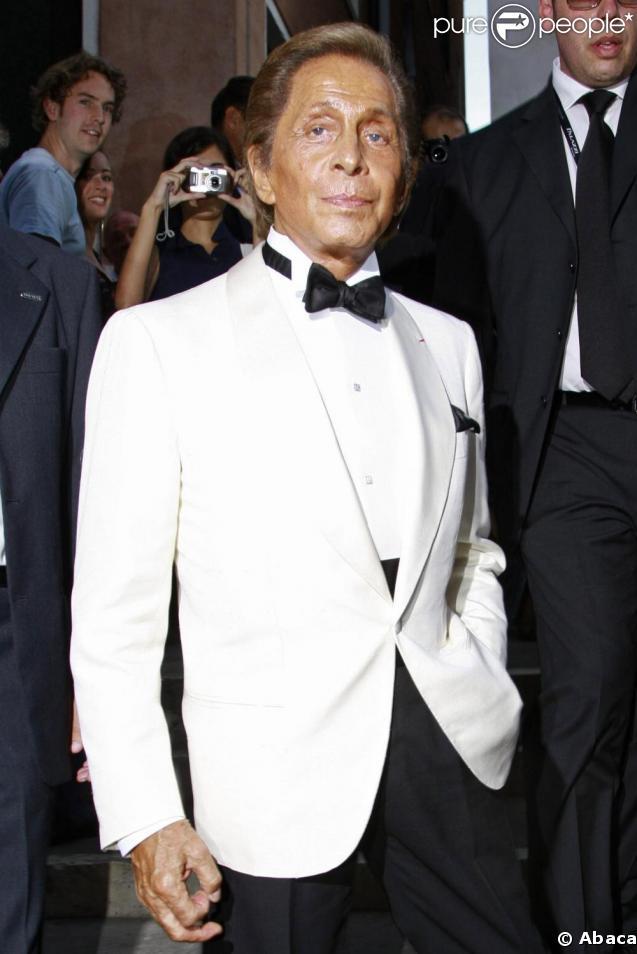 Le couturier Valentino a reçu une bien mauvaise nouvelle en ce début d'année, il doit payer 33 millions d'euros au fisc italien !