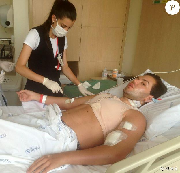 Rodrigo Alves sur un lit d'hôpital à Londres. Avril 2014.