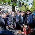"""Emmanuel Macron, candidat à l'élection présidentielle pour son mouvement """"En Marche!"""" et sa femme Brigitte Macron (Trogneux) à la rencontre des habitants et des commercants de Bagnères-de-Bigorre, France, le 12 avril 2017. © Thibaud Moritz/Bestimage"""