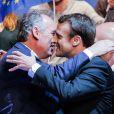 """Emmanuel Macron et François Bayrou - Emmanuel Macron, candidat à l'élection présidentielle pour son mouvement """"En Marche! en meeting au zénith de Pau, France, le 12 avril 2017. © Thibaud Moritz/Bestimage"""