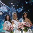 Albina Akhtyamova (deuxième dauphine), Polina Popova et Ksenia Aleksandrova (première dauphine) lors de la finale de Miss Russie 2017. Moscou, le 15 avril 2017.