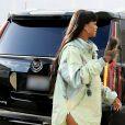 Rihanna arrive au magasin éphémère FENTY PUMA by Rihanna à Hollywood. Los Angeles, le 18 avril 2017.