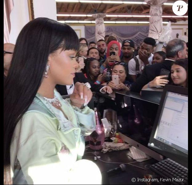 Rihanna au magasin éphémère de FENTY PUMA by Rihanna à Los Angeles, le 18 avril 2017.