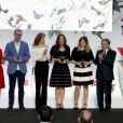 """La reine Letizia d'Espagne assiste à la cérémonie de remise des prix de littérature """"El Barco de Vapor"""" et """"Gran Angular"""" à la Casa de Correos à Madrid, Espagne, le 18 avril 2017."""