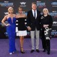 """""""David Hasselhoff avec sa compagne Hayley Roberts et ses filles Taylor et Hayley- Avant-première des Gardiens de la galaxie 2 à Los Angeles, le 19 avril 2017."""""""